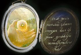 Paul Christiaan Bos: Medallion with Miniature. Text handpainted. Tempera and resinous oils.